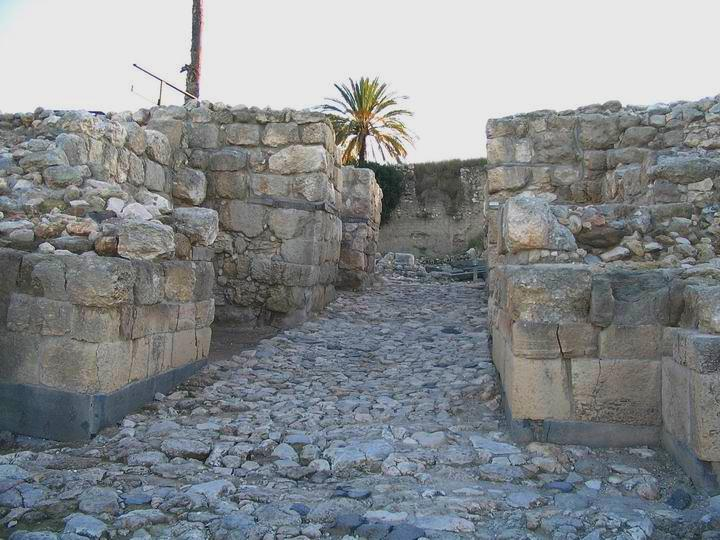 Megiddo North Gate - Canaanite period (15C BC). View from the entrance.