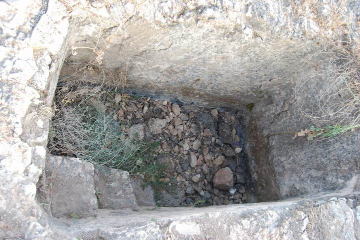 Tell Yizreel: eastern side, wine press