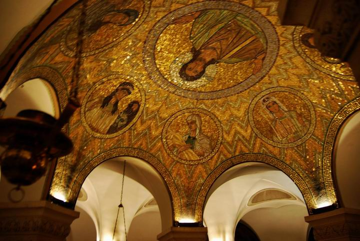 Dormition Abbey, mount Zion: the ceiling over sleeping Mary