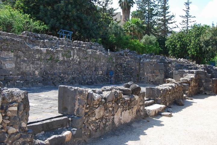 Hammat Tiberias: The court yard of the 6th C synagogue