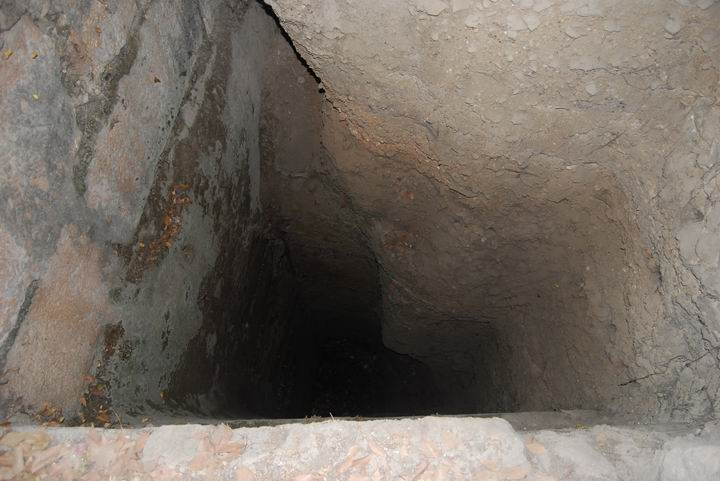 Bethesda: a covered section in the south-east side of the pool