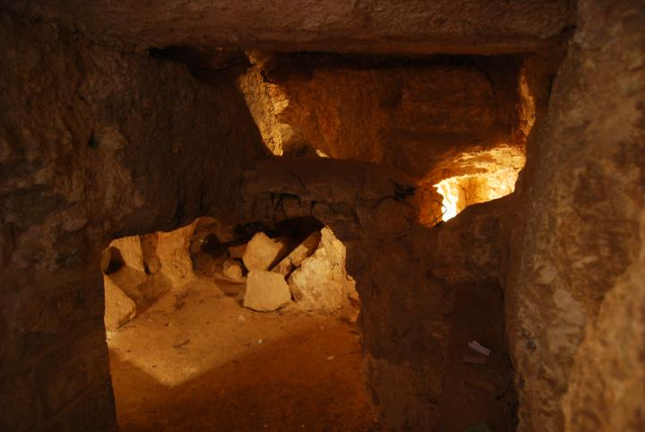 Pater Noster: the collapsed cave