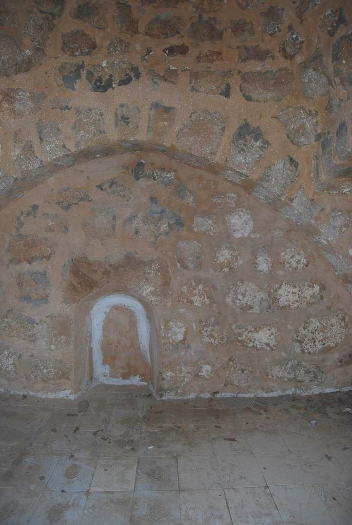 Migdal Malcha: Sheik's tomb - interior - south side