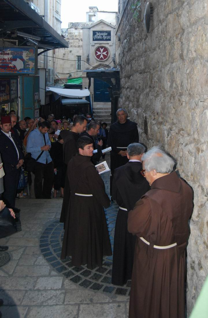 Via Dolorosa Friday procession at station 8