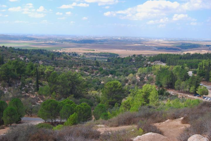 Park Ayalon (Canada) - seen from the foothills of the Hasmonean fortress