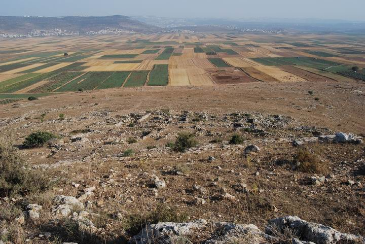 View of the ruins of the lower-eastern village at Khirbet Cana, Byzantine to Arab period