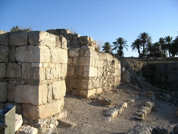 North Gate - Israelite period (built by King Solomon, or Ahab, or Jerobam II).