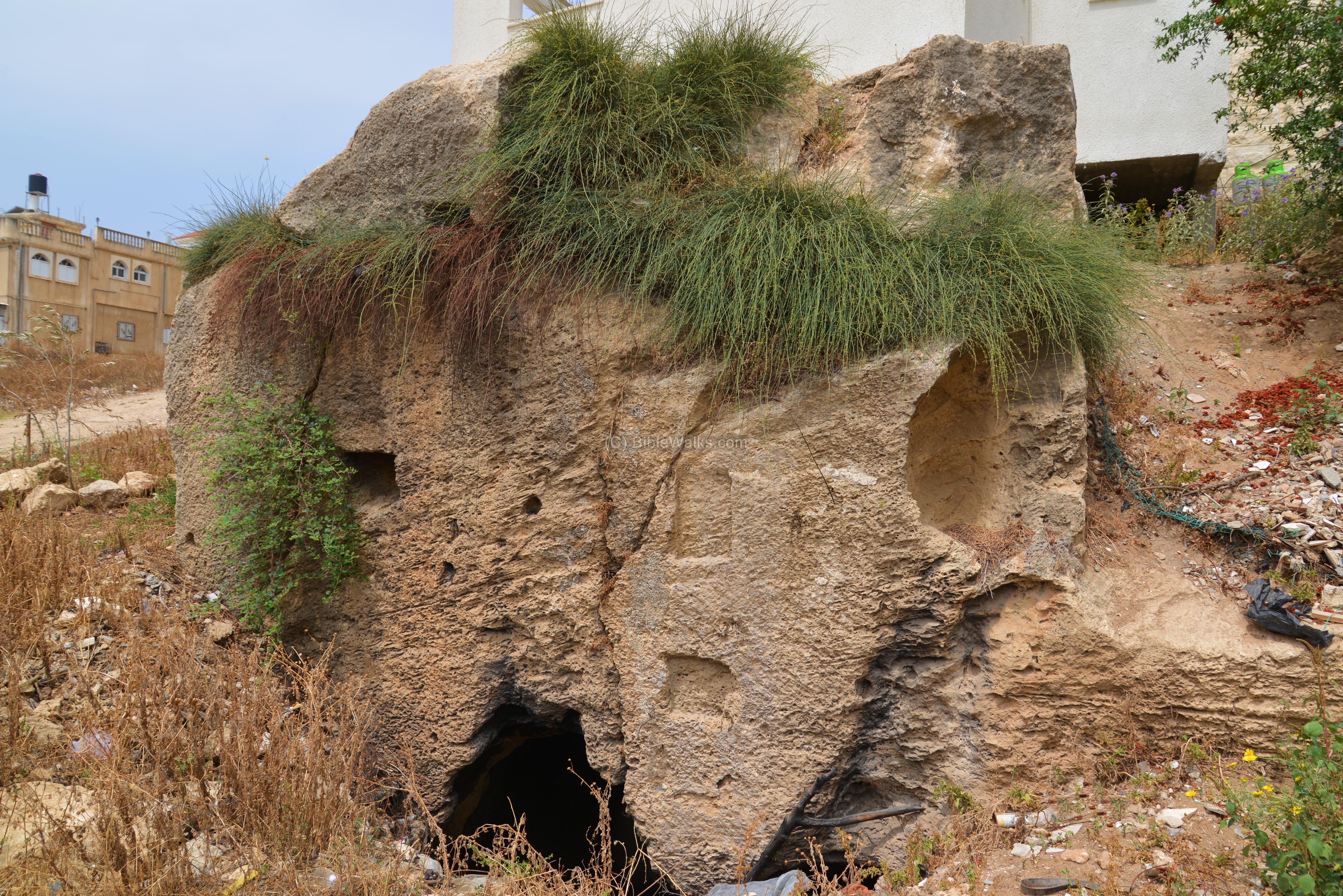 Stone Of Abel Beth Shemesh: Jiser E-Zarka