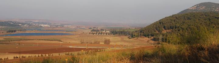 Tell Yizreel - view towards the east - Gilboa and Yizreel valley