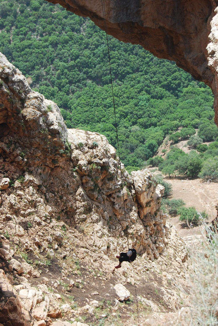 Rappelling in the Keshet cave