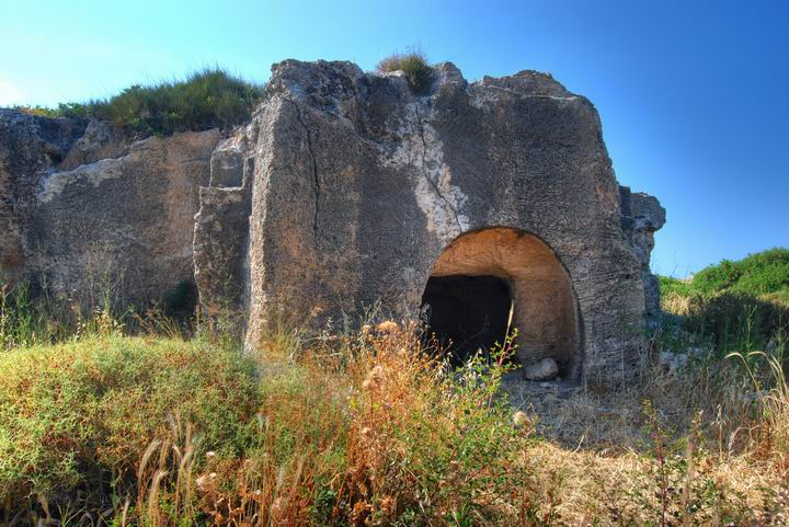 Burial cave - south-west cluster - Migdal Malcha