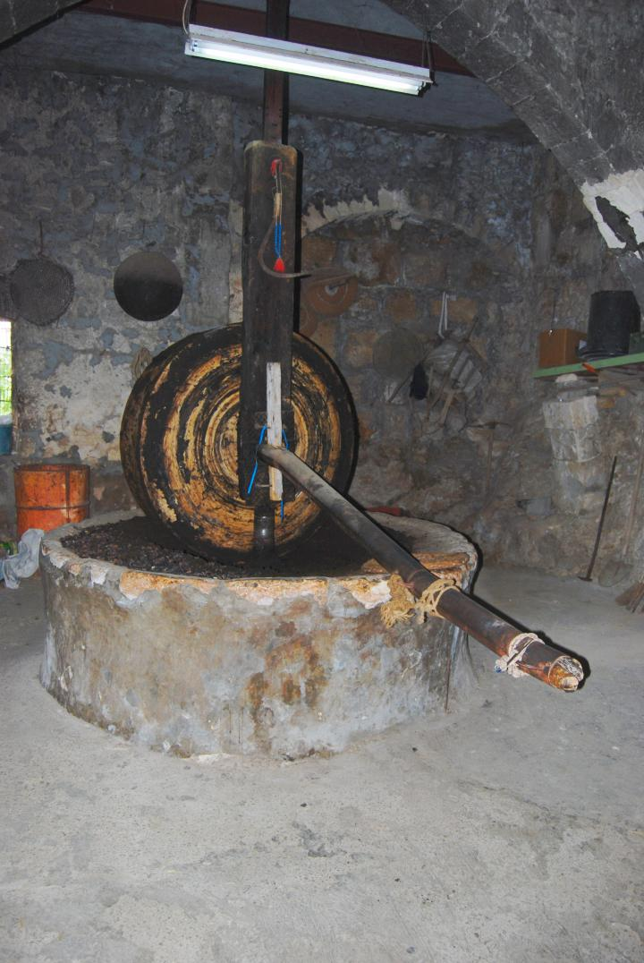 Mi'ilya - oilve oil press