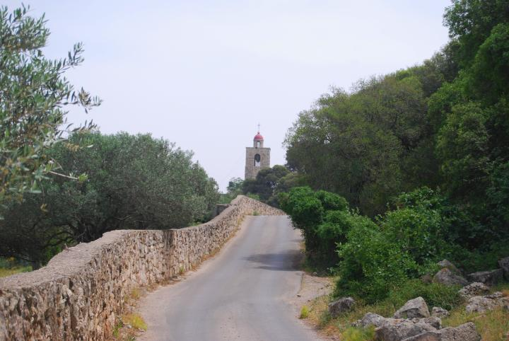 Mount Tabor: Roasd to the Greek-Orthodox monastery