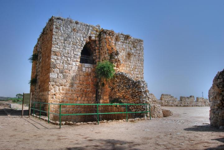 Afek in the Sharon: view of the east gate