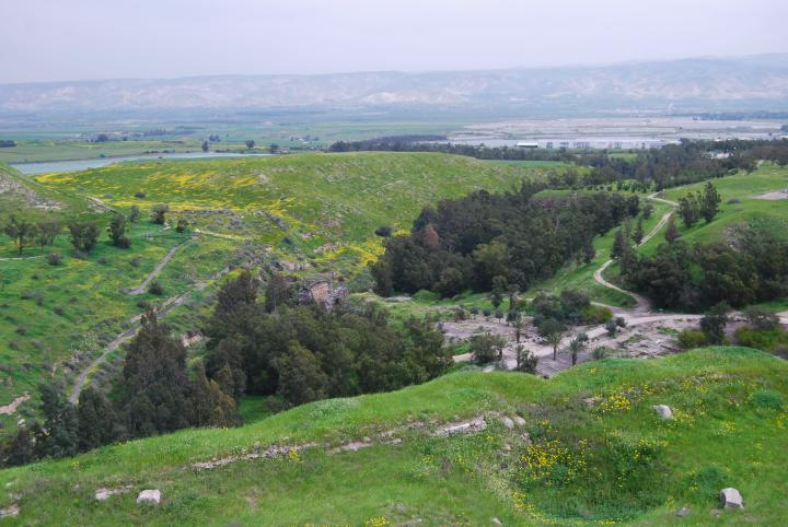 Tell Beit She'an: view towards east
